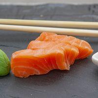 Sashimi de salmón rosado (3 unidades)
