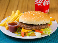 Combo - Hamburguesa + Papas fritas + Soda 335 ml