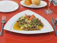 Carne mongoliana con agregado