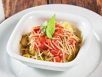 Ñoquis de albahaca con salsa pomodoro