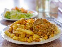 Menú 5 - Carne al jugo con arroz y papas fritas + mayonesa casera + postre + bebida 250 ml
