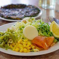 Menú 3 - Tortilla de verdura con ensalada surtida + mayonesa casera + postre + bebida 250 ml