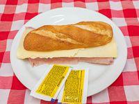 Panini de jamón y queso