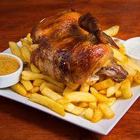 1/2 pollo con papas fritas y cremas