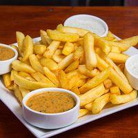 Papas fritas medianas con cremas