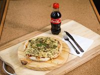 Promo - Pizza con muzzarella (20 cm) para 1 persona + Coca-Cola de 250 ml