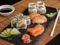 Combinado premium de salmón (14 piezas a elección del chef)