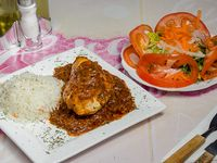Pollo al jugo + agregado + ensalada