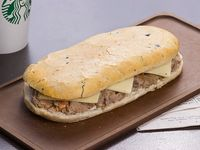 Sándwich Mechada Toscano