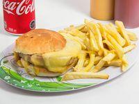 Combo - Hamburguesa + papas fritas + bebidas 350 ml