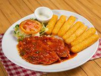 Filete de pechuga de pollo con salsa criolla