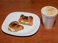 Promo - Café a elección + 2 medialunas de jamón y queso