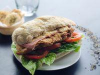 Sándwich ciabatta  de milanesa de ternera