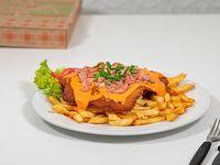 Milanesa al plato con Cheddar y guarnición de fritas