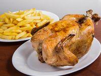 Combo - Pollo entero + papas fritas (porción grande)