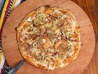 Pizza de panceta con cebolla caramelizada