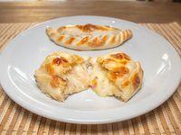Empanada de queso roquefort con jamón