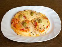 Pizza individual de muzzarella + bebida a elección