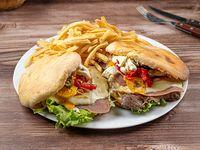 Promo - 2 chivitos Canadienses al pan con fritas