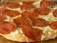 Pizza De La Casa Personal Pepperoni