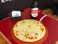 Promo 1 - Pizza mozzarella 8 porciones + cerveza schneider 1 L