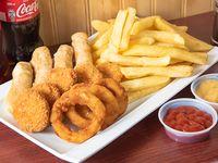 Combo familiar 2 - 5 nuggets + 3 aros de cebolla + 4 tequeños + papas fritas + 2 bebidas 250 ml