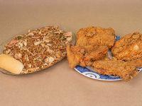 Una Caja de Arroz Chino con Un Pollo
