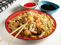 Chow Mein con Camarón y Pollo