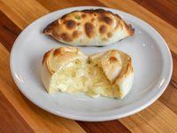 Empanada cebolla y queso