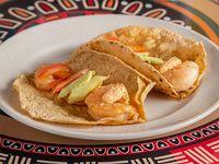 Tacos de Camarón con Chipotle