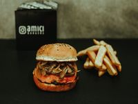 Onion & cheese burger con papas fritas
