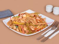 Pasta Chow Mein Especial