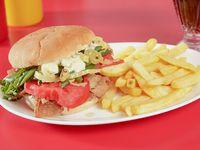 Promoción - Churrasco chacarero + Papas fritas + Bebida en lata 350 ml