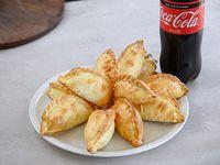 Promo - 12  empanadas  + Coca-Cola 1.5 L