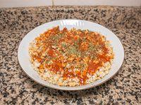 Arroz integral con salsa boloñesa vegana