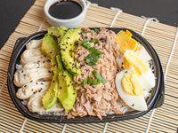 Poke atún salad