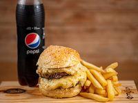 Combo - Hamburguesa doble a elección + Papas fritas + Refresco 500 ml. Linea pepsi