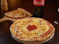 Combo Coca-Cola -  Pizza con muzzarella + fainá + Coca-Cola 1.5 L
