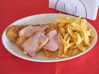 Milanesa de pollo napolitana con fritas