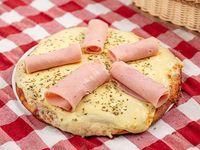 Pizzeta muzzarella y jamón