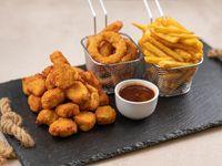 Supremitas de pollo con papas fritas y aros de cebolla (para 2 personas)