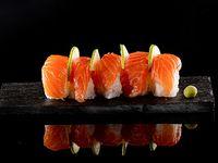 Nigiris salmón  (5 unidades)
