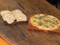 Promo 6 - Docena de empanadas + pizza grande de muzzarella (al molde)