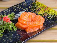 Sashimi de salmón (7 cortes)