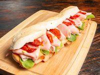 Sandwich de mortadela con pistachio
