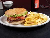 Combo 4 - Sándwich a elección + papas fritas + cerveza 355 ml