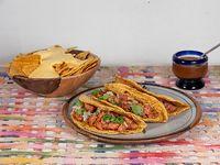 3 Tacos pastor + guarnición