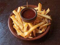 Papas fritas con kétchup
