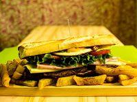 Sándwich de churrasquito de lomo completo