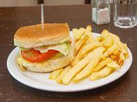 Hamburguesa con queso, jamón, tomate, lechuga y huevo